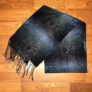 NWT Cejon Blue Ombré scarf. Great Gift!